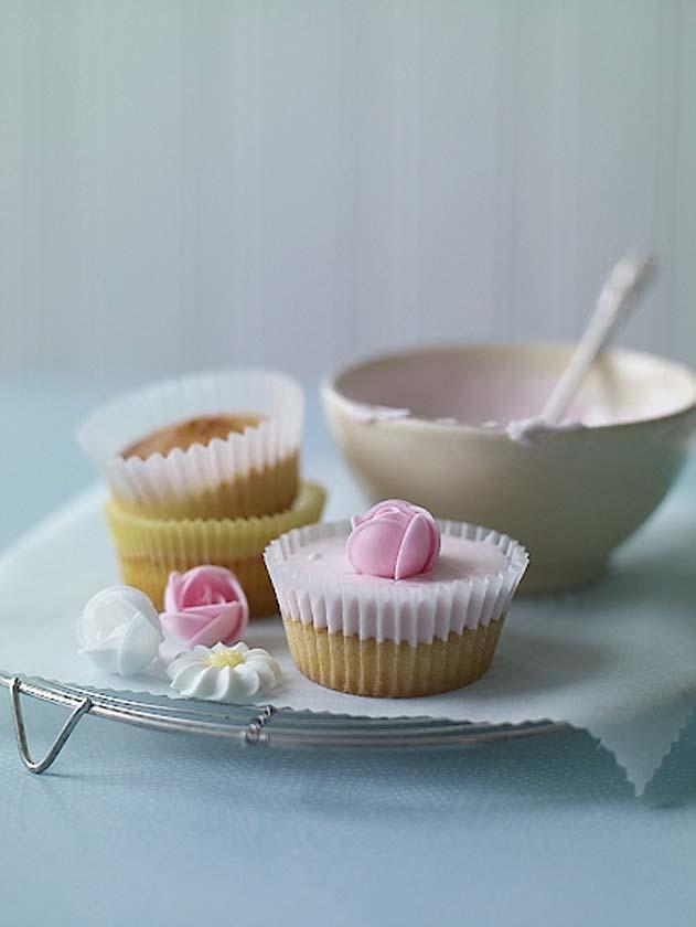 Sainsburys-Nigella-cupcakes-Richard-Jung